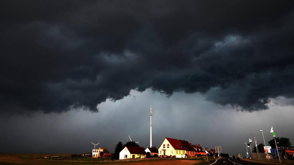 Unwetterwarnung - Gewitter - Deutscher Wetterdienst - Deutschland