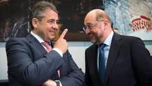 Sigmar Gabriel und Martin Schulz im vergnügten Gespräch