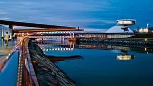 Avilés -Die Promenade, Flussmündung und Niemeyer Center