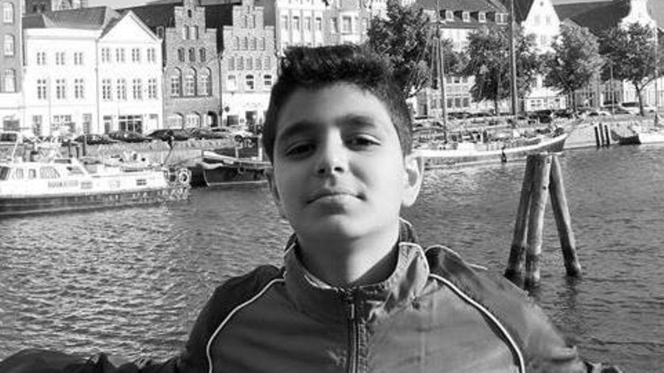 Der zwölfjährige Yassin ein paar Tage vor seinem tödlichen Unfall an der Trave in Lübeck
