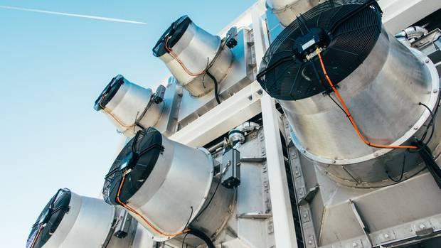 Diese Ventilatoren saugen normale Umgebungsluft an.