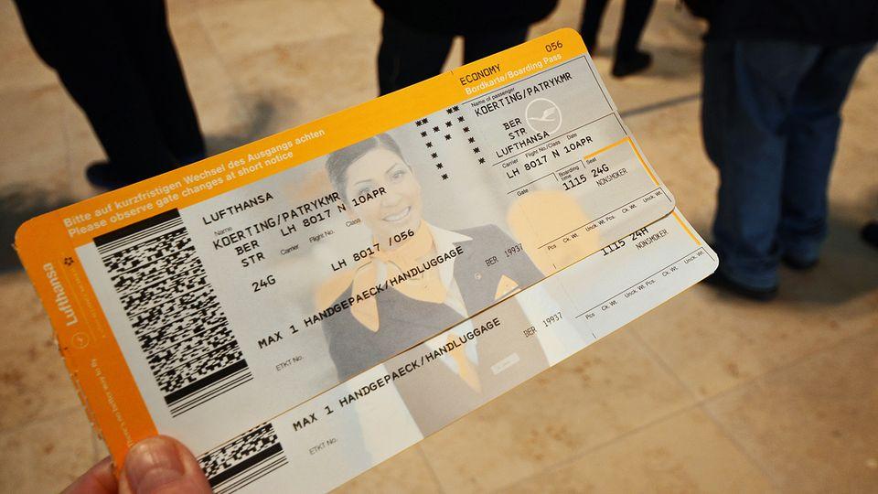 LH Ticket BER-STR