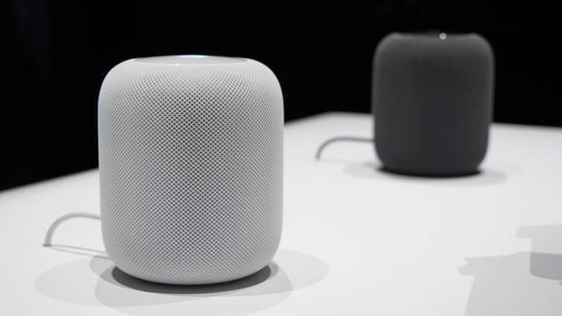 Apples HomePod gibt es in Schwarz und Weiß.