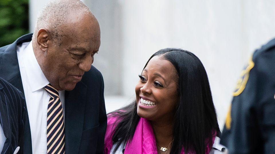 Keisha Knight Pulliam scherzte am Tag des Prozessbeginns mit Bill Cosby. Im TV spielte sie seine Tochter.