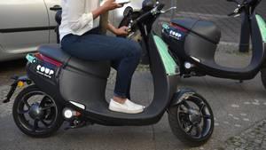 Ein E-Roller E-Roller der Firma Coup in Berlin