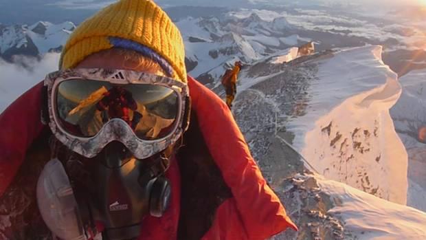 Andy Holzer ist der erste Blinde, dem die Besteigung des Mount Everest über die Nordroute gelang.