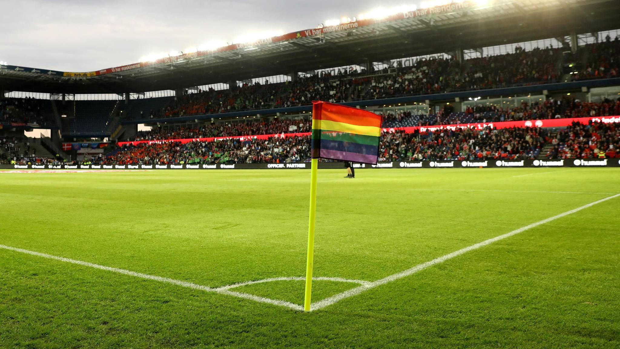 Fussball Eckfahnen Bei Deutschland Gegen Danemark In