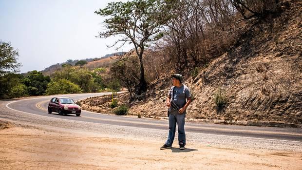 Die Bürgerpolizei kontrolliert die Bundesstraßen in ihrem Revier – und blockiert sie, um politische Forderungen durchzusetzen