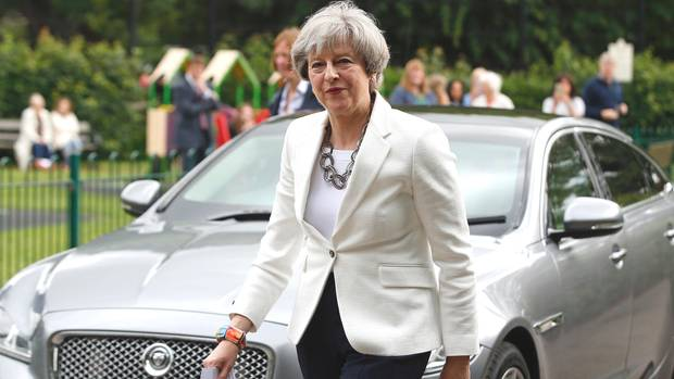 Theresa May liegt vorn