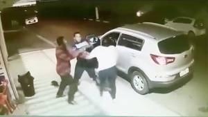 Brasilien: Frau rettet Sohn aus Auto - Sekunden bevor es geklaut wird