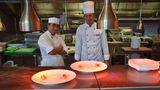 Dem Küchenteam kann man in der offenen Küche des Hanami über die Schulter gucken.