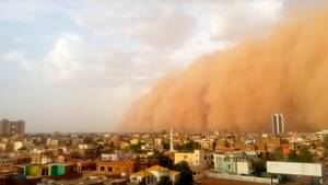 Sudan: Gigantische Staubwolke hüllt Khartum ein