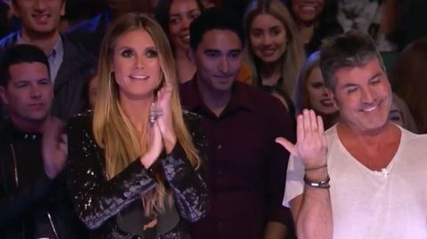 """Heidi Klum und Simon Cowell sind sichtlich begeistert vom Auftritt von Mandy Harvey bei """"America's Got Talent"""""""