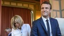 Emmanuel Macron und seine Frau Brigitte geben Stimme bei der Frankreich-Wahl