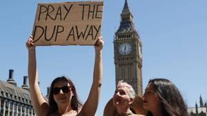 Protest gegen eine Regierungsbeteilung der DUP in London