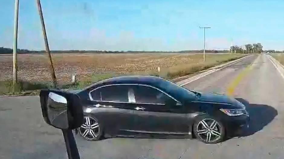 Gewaltiges Glück: Ungebremst über die Kreuzung - Trucker verhindert Horror-Crash