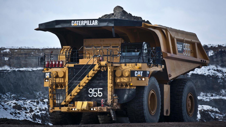 Der Muldenkipper 795F AC von Caterpillar landet mit einer Nutzlast von 313 Tonnen auf Platz 7 der größten Laster der Welt. Der Amerikaner ist über sieben Meter hoch, bei gekippter Mulde sogar über 15 Meter.