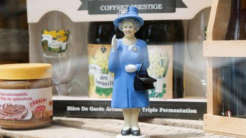 Eine Figur der Queen in einem Schaufenster. Der geplante Brexit veranlasst immer mehr Briten zur Einbürgerung in andere Länder.