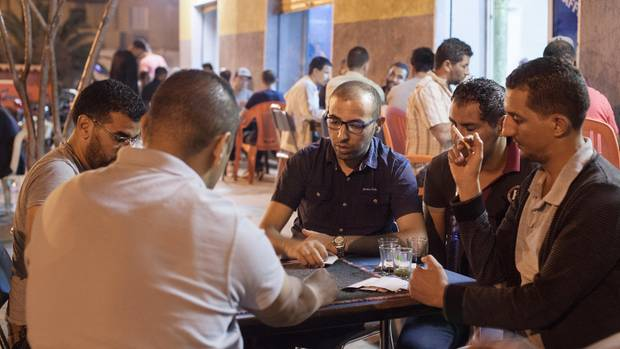 Jeden Abend trifft sich Ali Rebah mit Freunden zum Kartenspielen