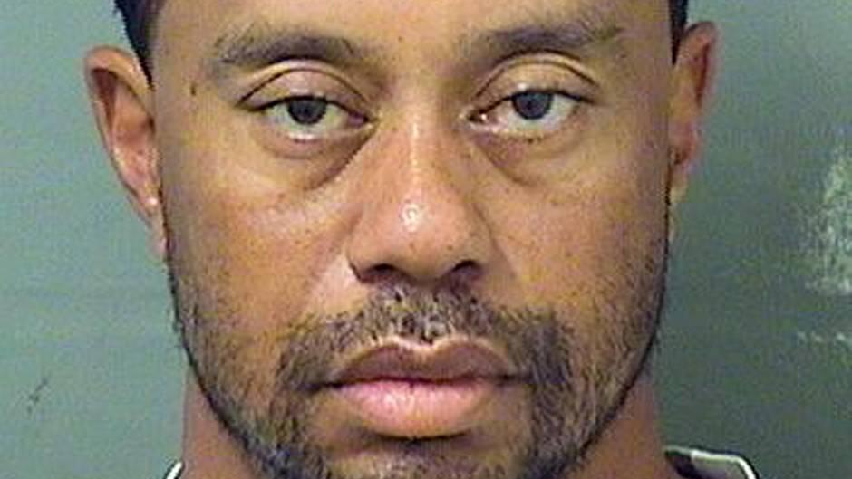 Tiger Woods weist sich in Klinik ein