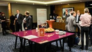 Zur Hauptversammlung von Air Berlin in London kamen lediglich ein Dutzend Aktionäre