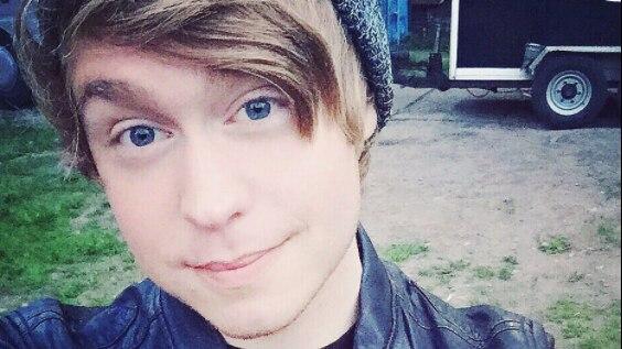 Austin Jones Youtube Star Wegen Kinderporno Verdacht Festgenommen