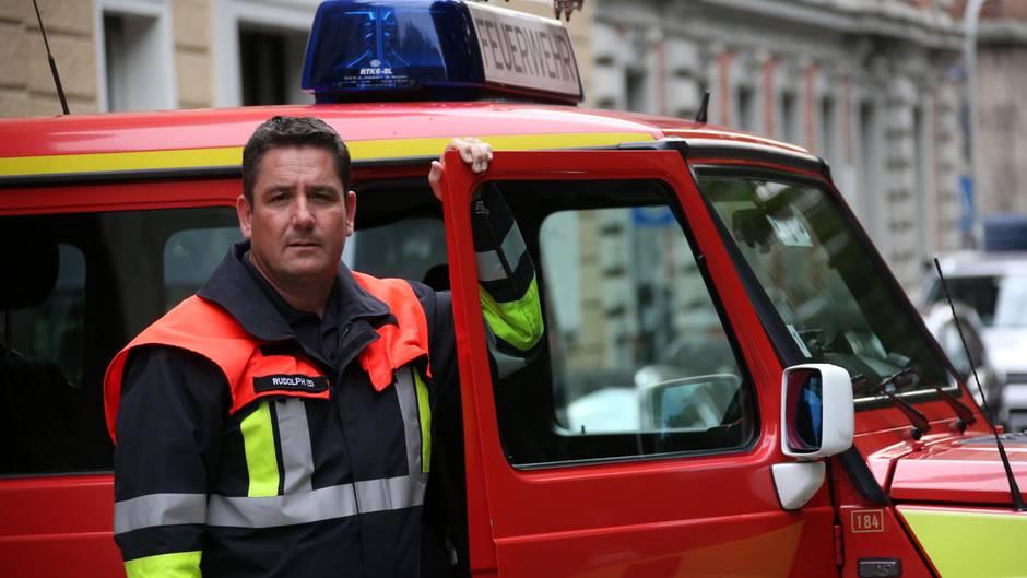 Lebensretter: Feuerwehr sucht Jugendlichen per Facebook