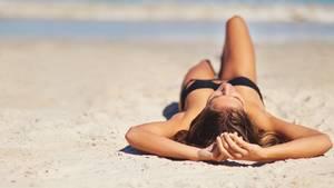 """In Zukunft soll man """"natürlich"""" braun werden können, ohne sich der UV-Strahlung auszusetzen."""