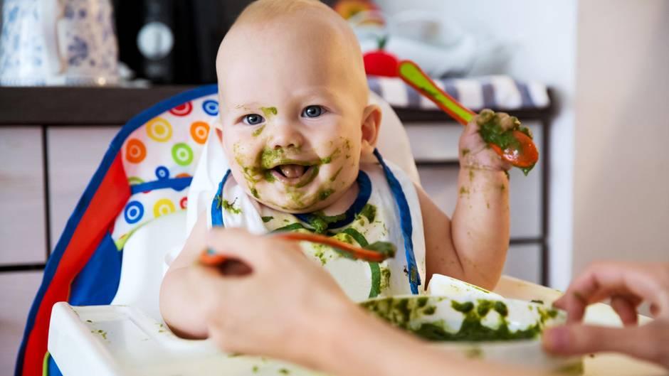 Das unschuldige Lachen eines Babys lässt einen selbst die größte Schweinerei vergessen.