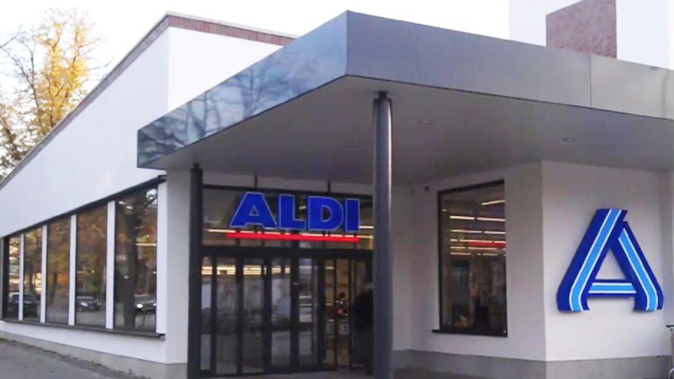 Rotstift beim Discounter: Verkauft Aldi Süd bald Markenartikel im Sonderangebot?