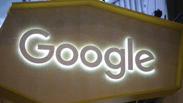 Google-Schild in Paris