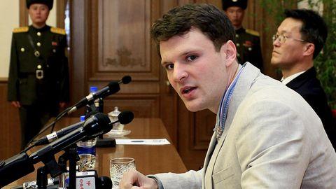 Otto Warmbier - hier vor einem Gericht in Nordkorea - schaut in die Kamera - Der US-Stduent ist gestorben