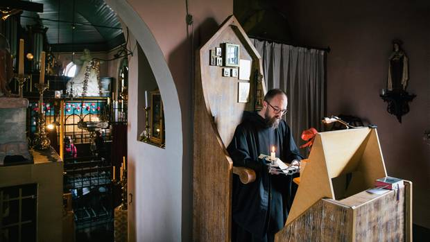 Pater Hugo wollte schon als Fünfjähriger wissen, wo Gott wohnt. Heute lebt er in einer Kirche Maria Anna.