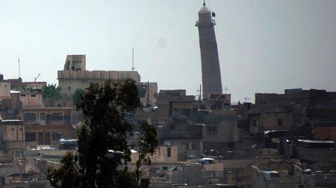 Das schiefe Minarett der Al-Nuri-Moschee in Mossul - der IS hat das histroische Bauwerk gesprengt