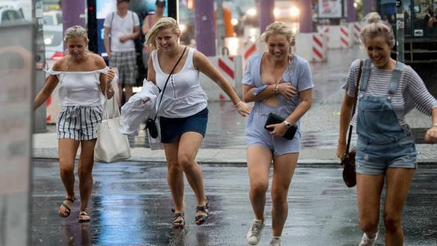 Hurricane Festival betroffen: Bahn stellt Verkehr wegen Unwetters ein