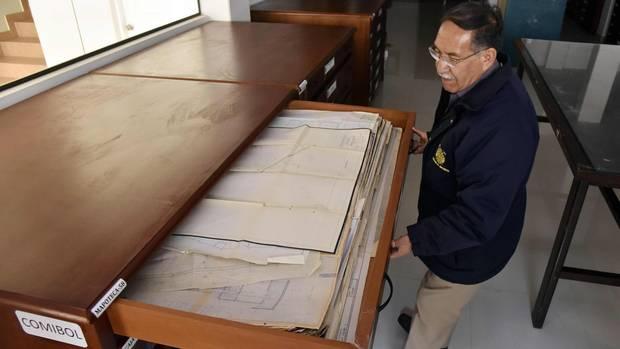 Archivdirektor Edgar Ramirez