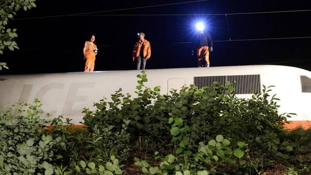 Bahnverkehr auf der Strecke Berlin - Düsseldorf nach Unwetterschaden unterbrochen