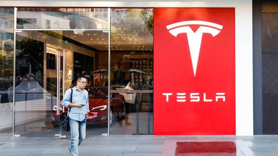 Tesla-Autos könnten in Zukunft einen eigenen Streaming-Dienst an Bord haben