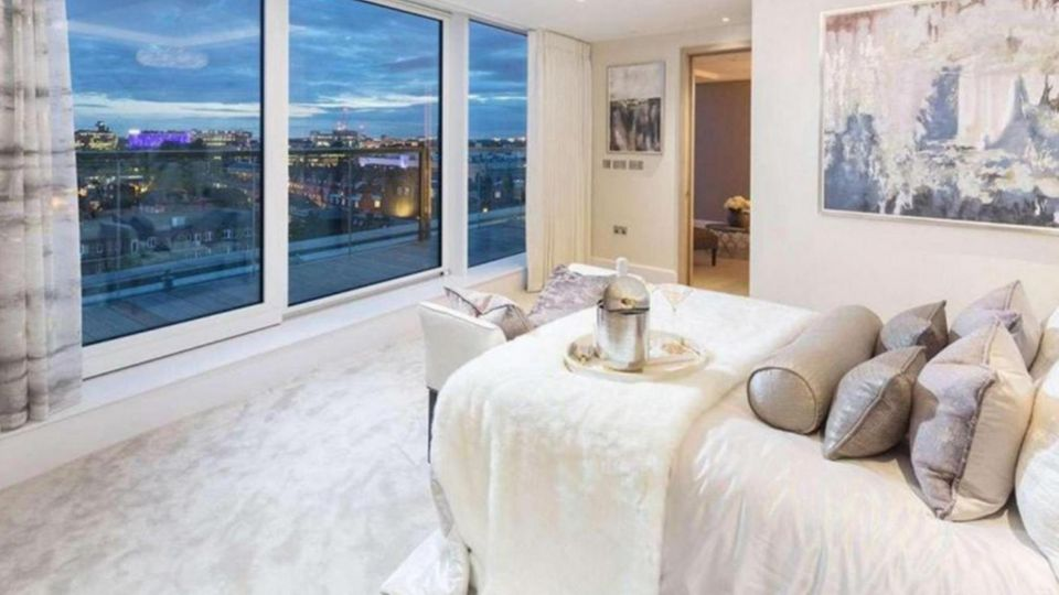 Die zahlenden Bewohner der Luxus-Wohnungen sind wenig begeistert, von den neuen Nachbarn
