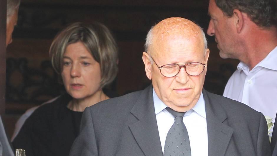 Eckhard Seeber (M.) war Fahrer von Ex-Kanzler Helmut Kohl. Beim Kondolenzbesuch kam er wohl dennoch nicht an Maike Kohl-Richter vorbei