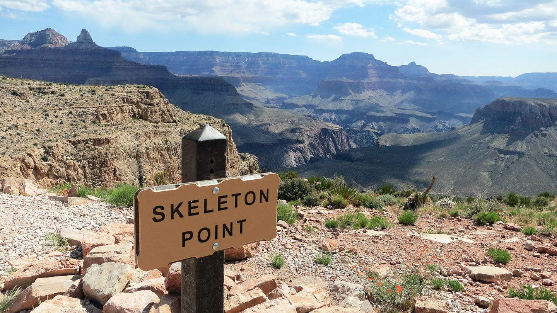 Auf dem halben Weg des South Kaibab Trail am Grand Canyon in Arizona
