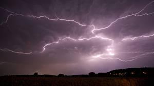 Verhalten bei Unwetter: Das sollten Sie bei Gewitter nicht tun