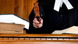 Richter für befangen erklärt