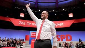In der SPD wird Kanzlerkandidat Martin Schulz noch gefeiert