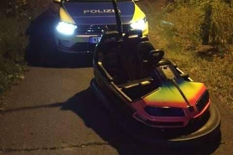 Nachrichten aus Deutschland: Jugendliche mit geklautem Autoscooter auf Radweg gestoppt