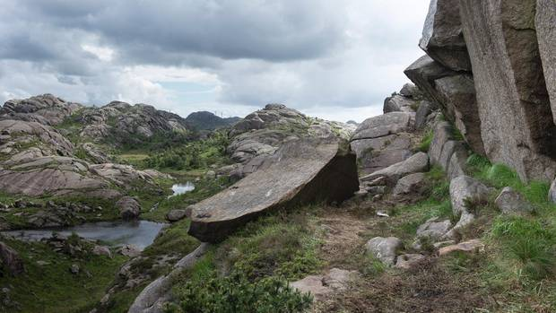 "Felsformation ""Trollpenis"" in Norwegen"