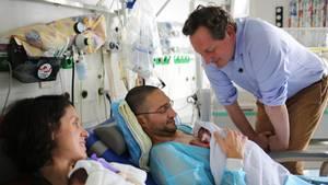 Eckart von Hirschhausen: Visite in Charité-Kinderklinik