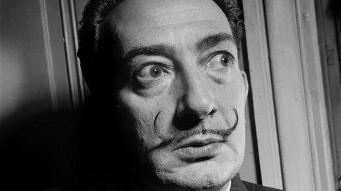 Salvador Dalí mit weit aufgerissenen Augen: Ein Gericht hat die Exhumierung seiner Leiche angeordnet