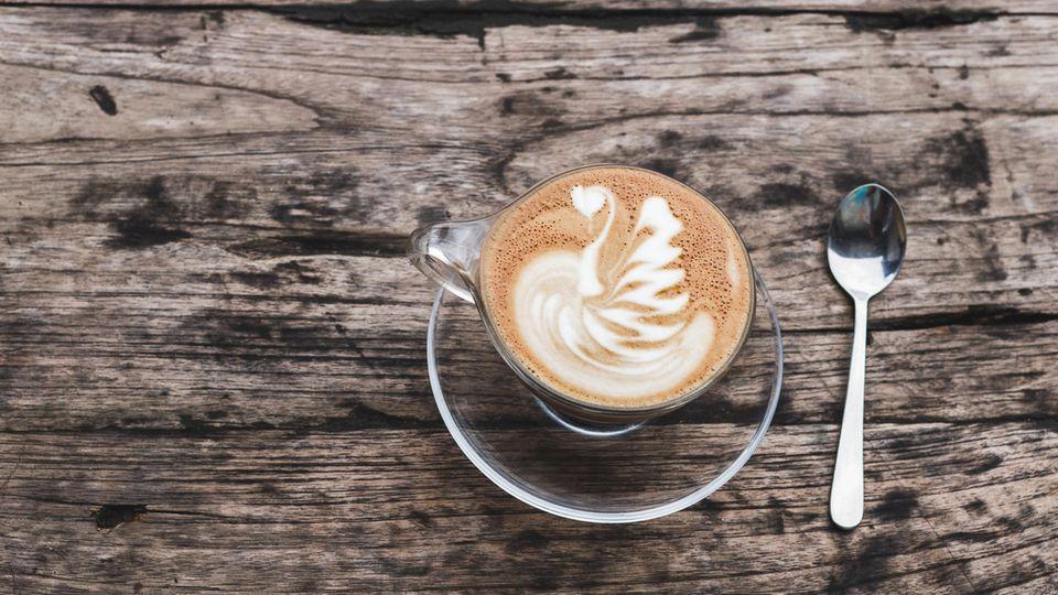 Latte Macchiato mit Hafermilch