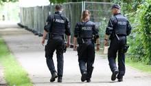 Polizisten patroullieren in Hamburg im Rahmen des G20-Großeinsatzes